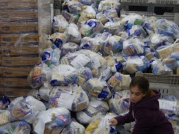 Israeli Soldier Packages Prepared With Love at Yad Eliezer