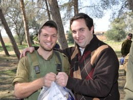 Showing Support to Israeli Soldiers Through Yad Eliezer