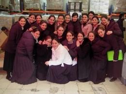 Seminary Volunteers at Yad Eliezer - Tiferes Bnos Yaakov