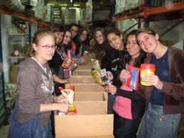 Seminary Volunteers at Yad Eliezer - Midreshet HaRova