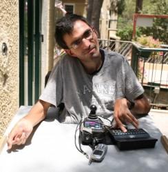 Yad Eliezer's Meals-On-Wheels program delivers hundreds of hot meals weekly.